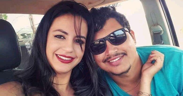 Caio Cezarino, 19 anos e Flávia de Carvalho, 19, continuam internados. - Crédito: Arquivo pessoal e Zap Catalão