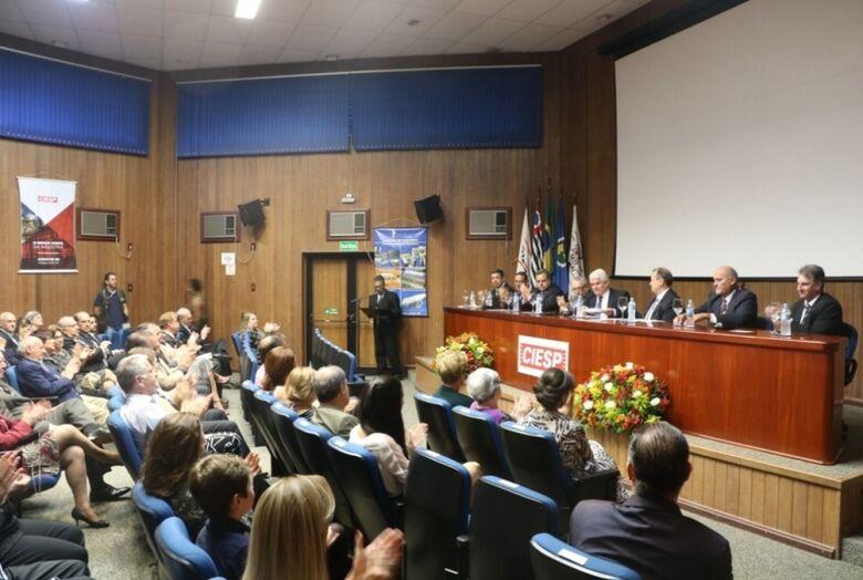 Câmara presta homenagem ao Industrial do Ano Ubiraci Moreno Pires Corrêa - Crédito: Divulgação