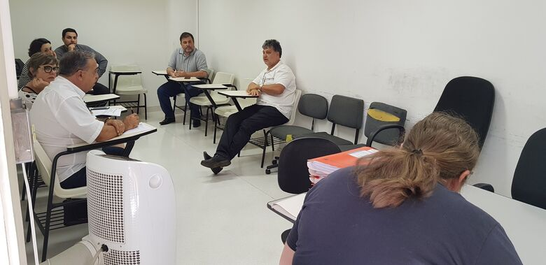 Prefeitura realiza mais uma sessão pública da licitação da limpeza - Crédito: Divulgação