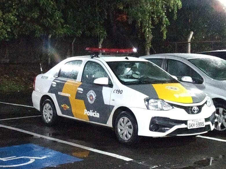 Motorista embriagado provoca acidente na SP-215 - Crédito: Luciano Lopes