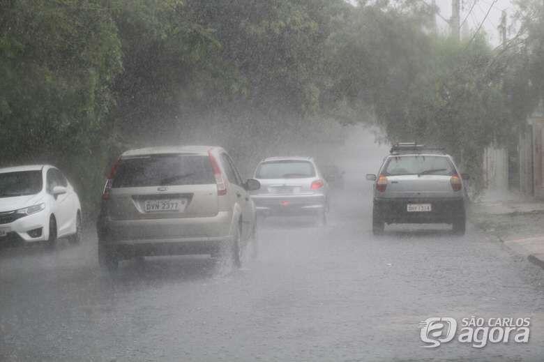 Quinta-feira começa com chuva moderada; confira a previsão - Crédito: Arquivo SCA