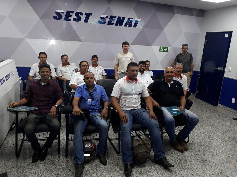 Motoristas da Suzantur São Carlos fazem curso no Sest Senat - Crédito: Divulgação