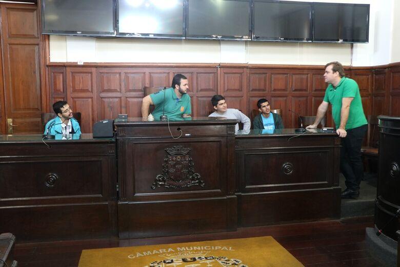 Visite a Câmara recebe seminaristas da Diocese de São Carlos - Crédito: Divulgação