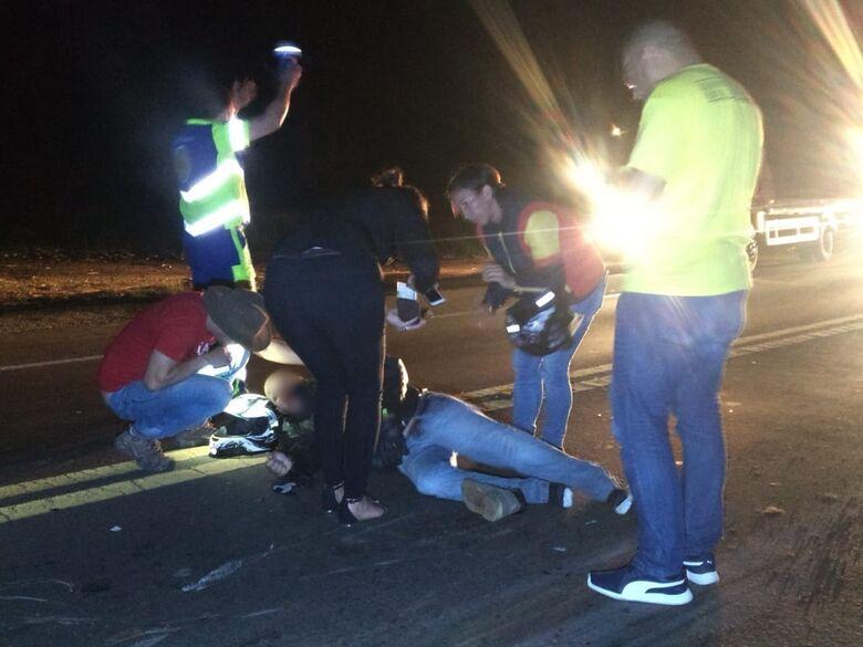 Morre motociclista que bateu em cavalo na SP-215 - Crédito: Luciano Lopes