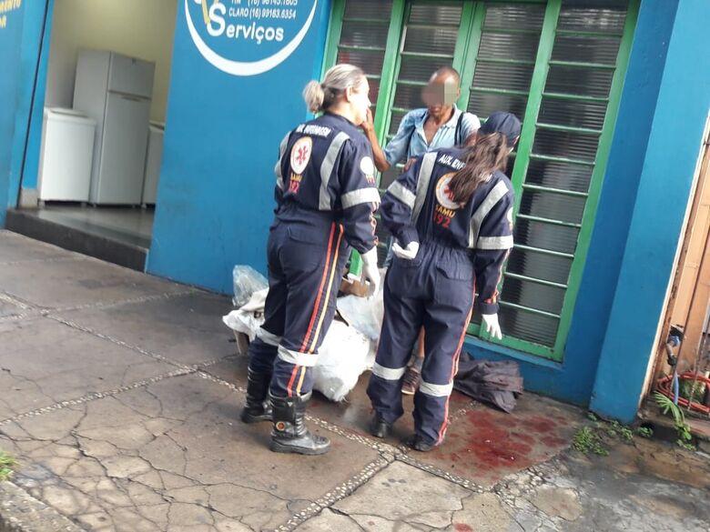 Após discussão, mulher dá facada em marido - Crédito: Maycon Maximino