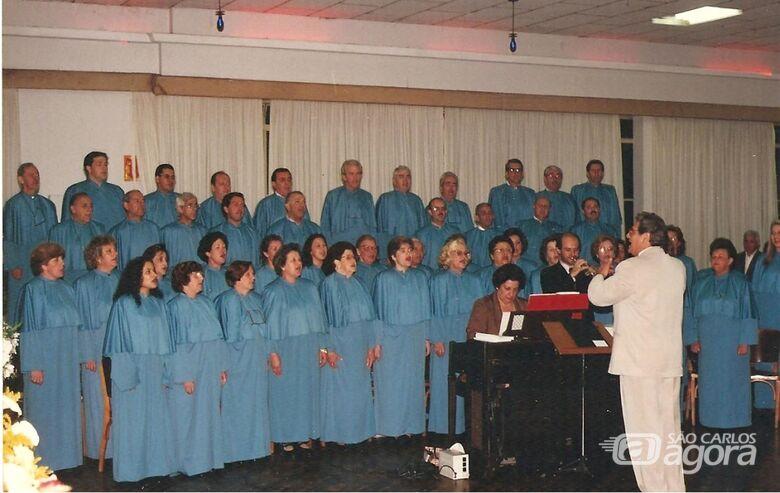 Coral de Casais Encontristas Prof. Wilson Cury, 44 anos de amor pela música sacra - Crédito: Divulgação