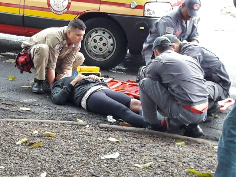 Motociclista fica ferida após colisão - Crédito: Maycon Maximino