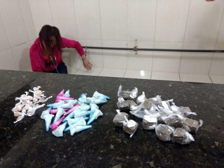 Desocupada é flagrada com crack, maconha e cocaína no Presidente Collor - Crédito: Luciano Lopes