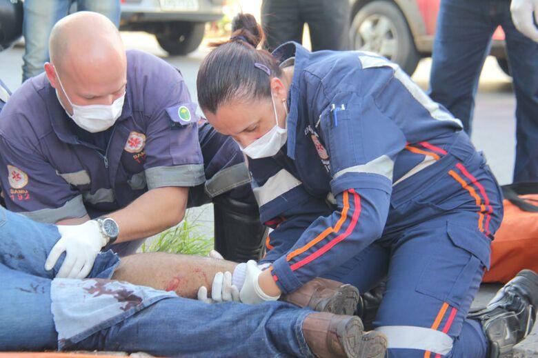 Motociclista fratura a perna após colisão na Vila Morumbi - Crédito: Maycon Maximino