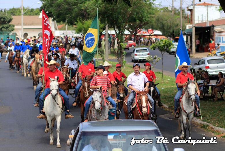 Cavalgada de São Francisco de Assis promete agitar o domingo em Ibaté - Crédito: Be Caviquioli