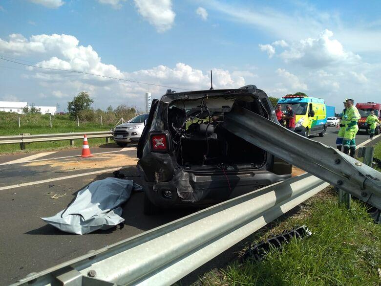 Acidente entre carro e caminhão deixa um morto na SP-332 - Crédito: Wagner Luan Cabocla FM