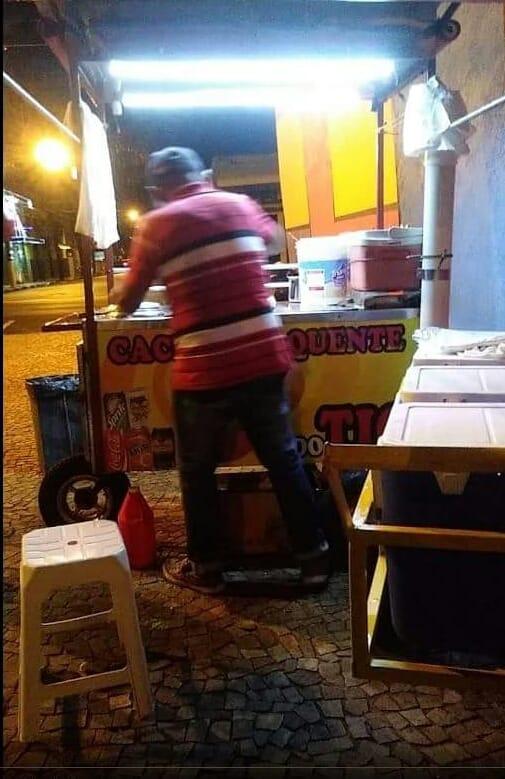 Prefeitura diz que saída de ambulantes da praça central não é determinação de Parella - Crédito: Divulgação/Facebook