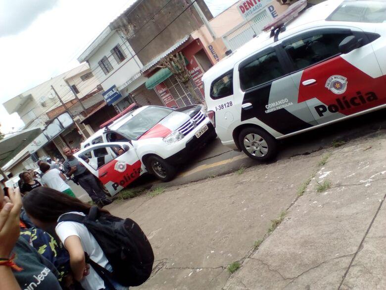 Alunos com camiseta de Bolsonaro são retirados da sala de aula no Attília Prado Margarido - Crédito: Divulgação/Facebook