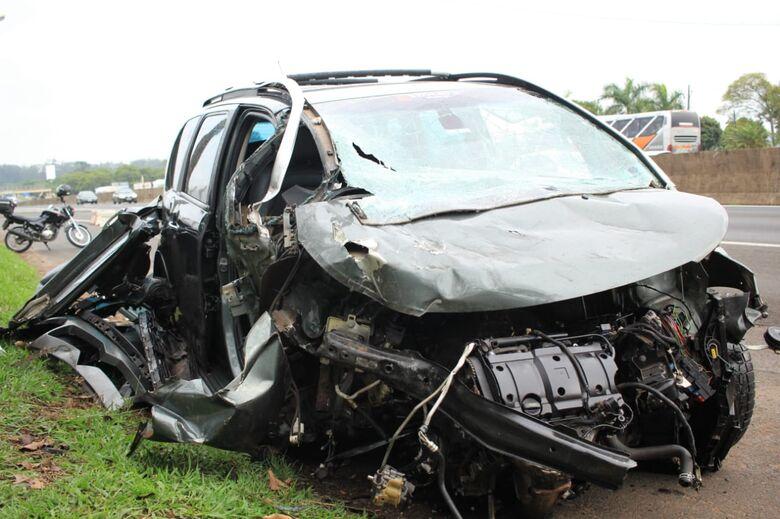 Homem morre após violento acidente na Washington Luís; quatro ficam feridos - Crédito: Marco Lúcio