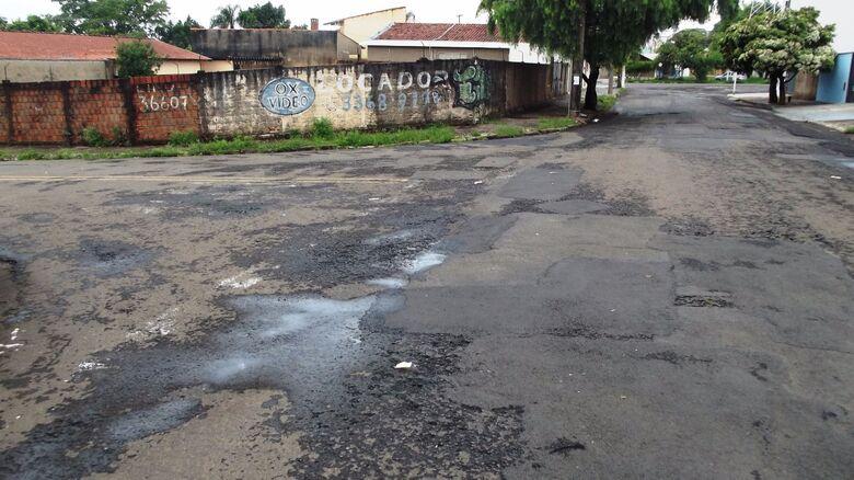 """Leitor do SCA faz a """"rota do descaso"""" e revela ruas em estado """"deplorável"""" - Crédito: Marcos Escrivani"""