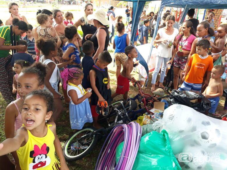 Ação solidária reúne mais de mil crianças no São Carlos 8 - Crédito: Divulgação
