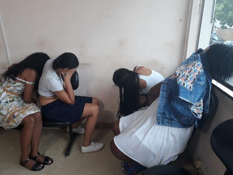 Irmãs e amiga são detidas após furtos em lojas no centro - Crédito: Marco Lúcio