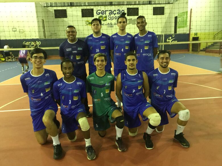 Equipe juvenil de São Carlos cumpre tabela na APV - Crédito: Marcos Escrivani