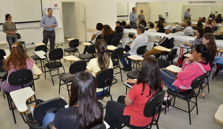Alunos iniciam aulas do curso de Assistente Administrativo - Crédito: Divulgação