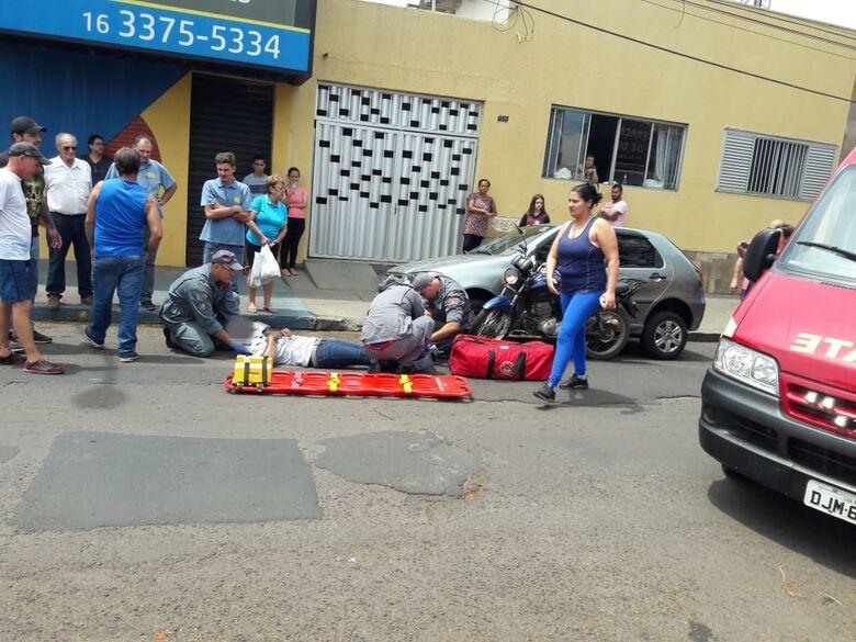 Motoboy se envolve em acidente e fica ferido - Crédito: Maycon Maximino