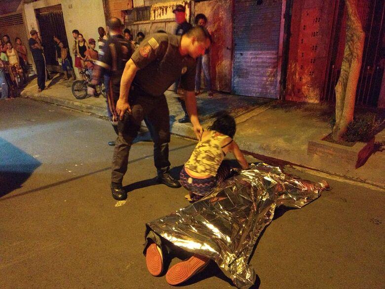 Vítima levou uma paulada na nuca - Crédito: Luciano Lopes