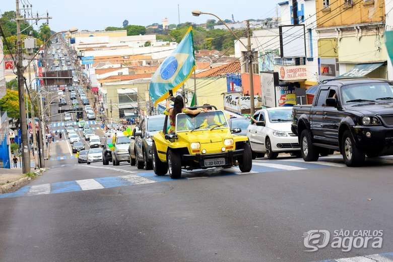 Simpatizantes de Bolsonaro realizam nova carreata em São Carlos - Crédito: Marco Lúcio