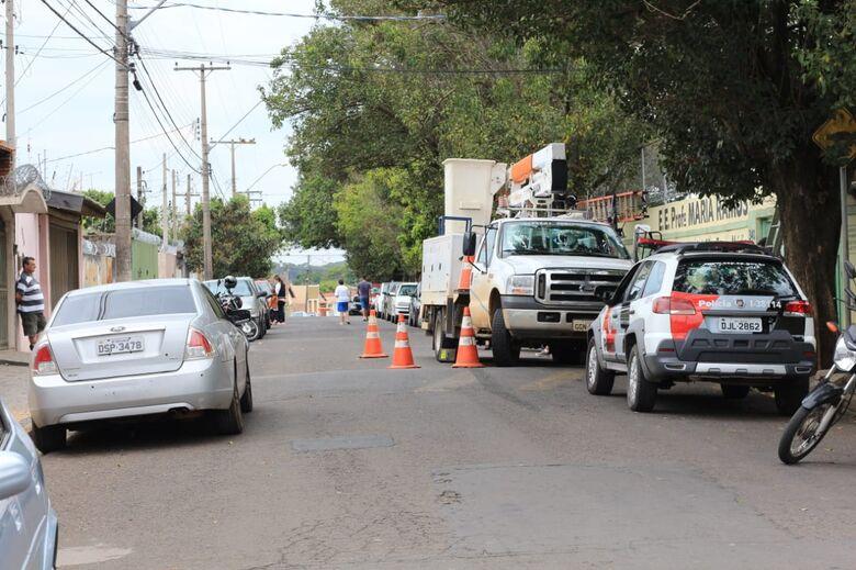 Furto de fios atrapalha votação na escola Maria Ramos - Crédito: Marco Lúcio
