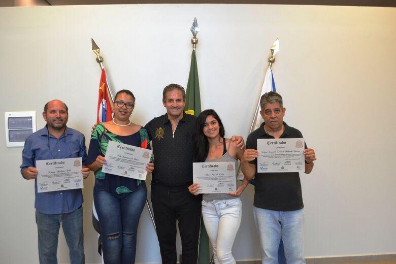 Ibateenses se formam no curso de auxiliar administrativo - Crédito: Divulgação