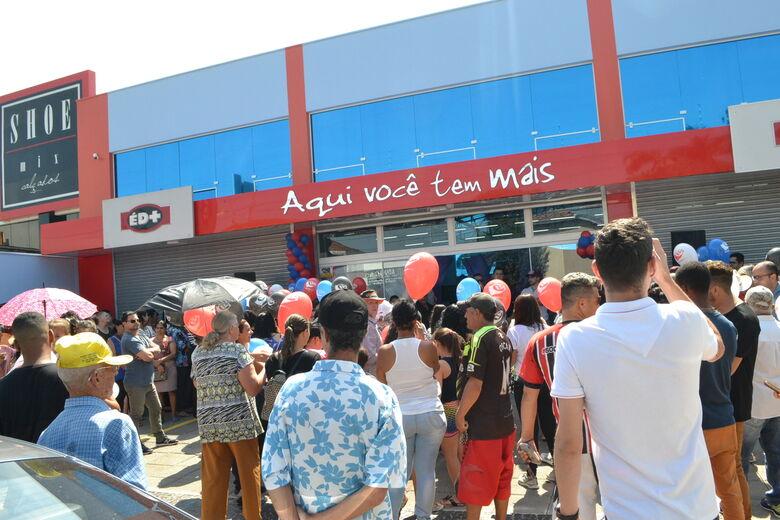 Vice-prefeito de Ibaté prestigia reinauguração da loja ÉD+ na cidade - Crédito: Divulgação
