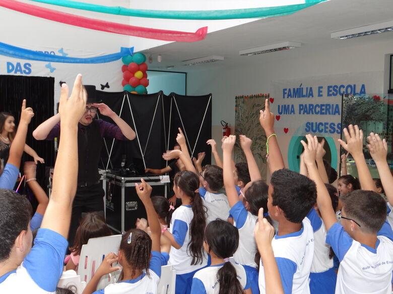 Escolas municipais de Ibaté iniciam comemorações para homenagear os alunos - Crédito: Divulgação