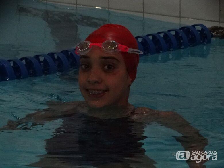 Julia Y Castro, talento da natação, sonha com ouro nos 100m peito - Crédito: Marcos Escrivani