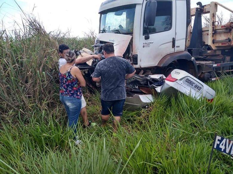 Duas pessoas morrem em grave acidente em cidade da região - Crédito: X Tudo Ribeirão