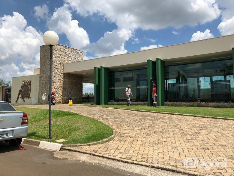 Prefeitura de Ibaté realiza melhorias do Cemitério Municipal - Crédito: Divulgação