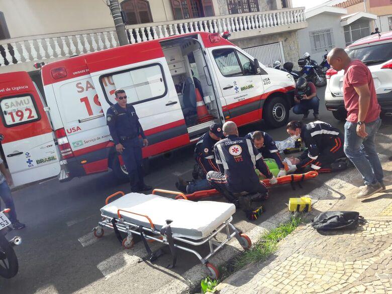 Motociclista perde a consciência ao ser atingido por carro no Centro - Crédito: Maycon Maximino