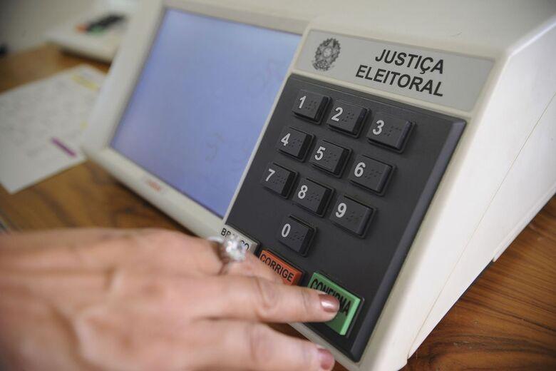 Eleitor que não votou no primeiro turno deve ir às urnas no domingo - Crédito: Fábio Pozzebom/Agência Brasil