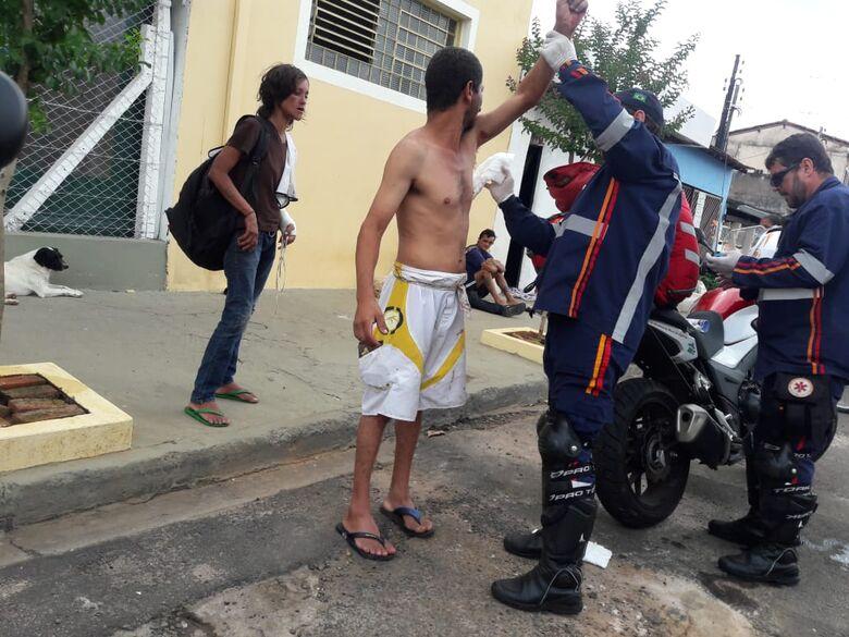 Homens saem no tapa no Paulistano e um deles é agredido a garrafadas - Crédito: Maycon Maximino