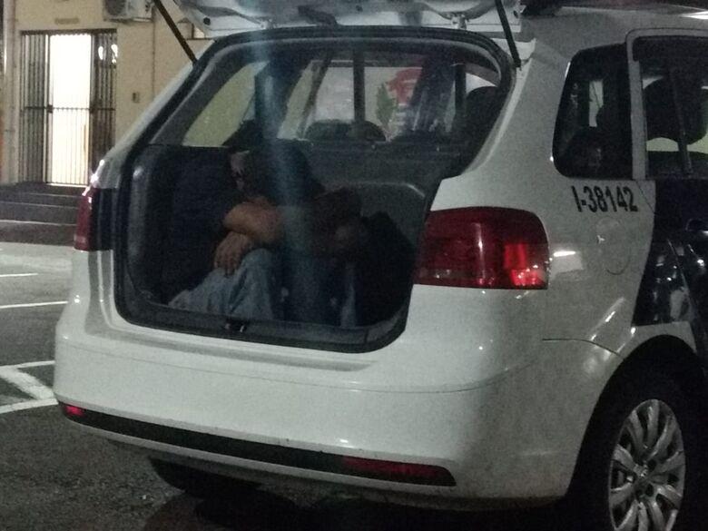 Ladrão é flagrado dentro de loja no centro - Crédito: Luciano Lopes