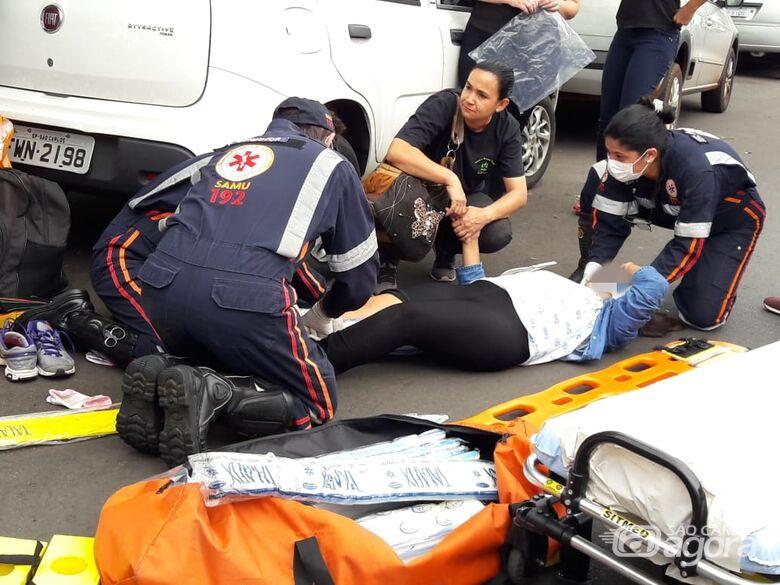 Menina de 10 anos é atropelada no centro de São Carlos - Crédito: Maycon Maximino