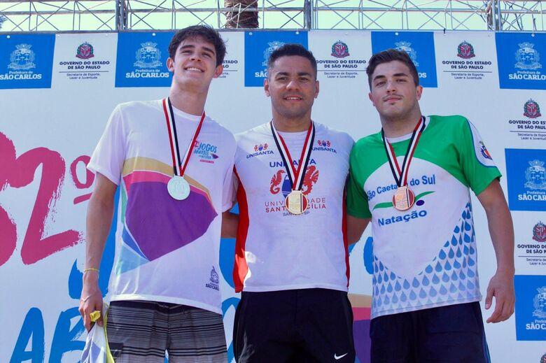 Natação convencional de São Carlos leva primeira medalha nos Abertos - Crédito: Divulgação