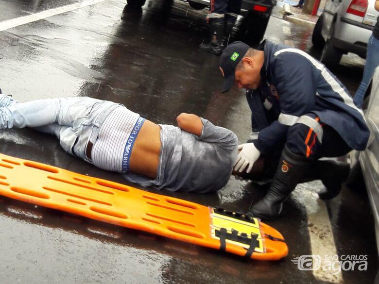 Adolescente é atropelado ao tentar atravessar a Avenida São Carlos - Crédito: Maycon Maximino