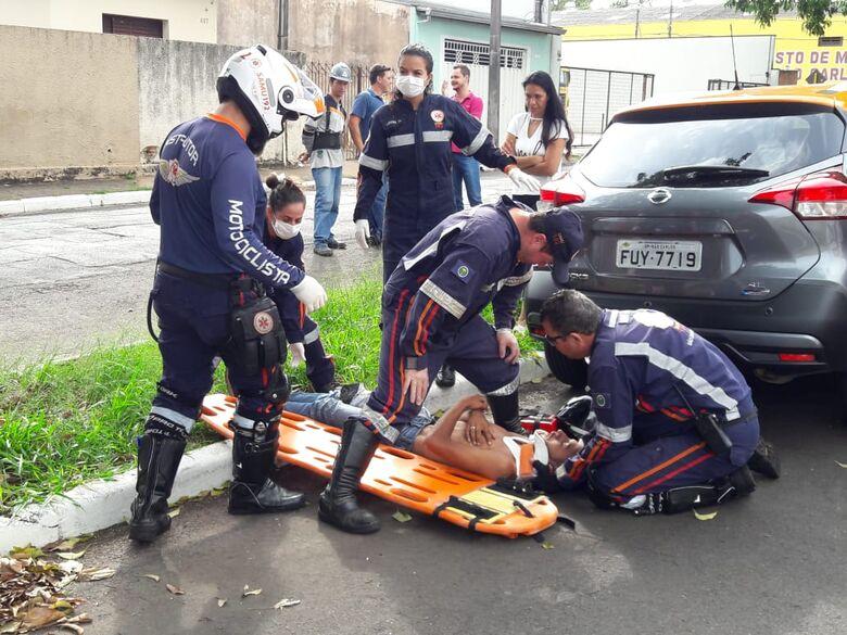 Motociclista fica ferido após sofrer queda na Vila Isabel - Crédito: Maycon Maximino