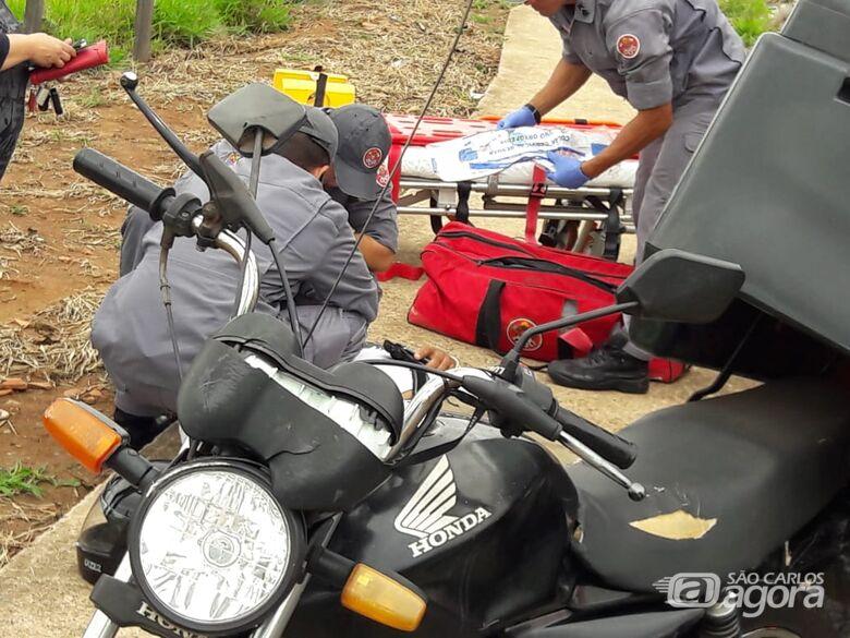 Motoboy se envolve em acidente no Santa Felícia - Crédito: Maycon Maximino