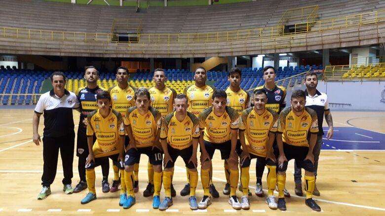 Dobrada 'breca' sequência de vitórias do São Carlos Futsal - Crédito: Marcos Escrivani