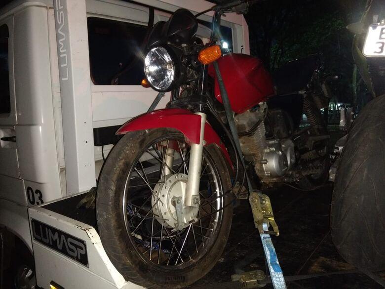 Polícia Militar apreende moto com queixa de furto - Crédito: Luciano Lopes