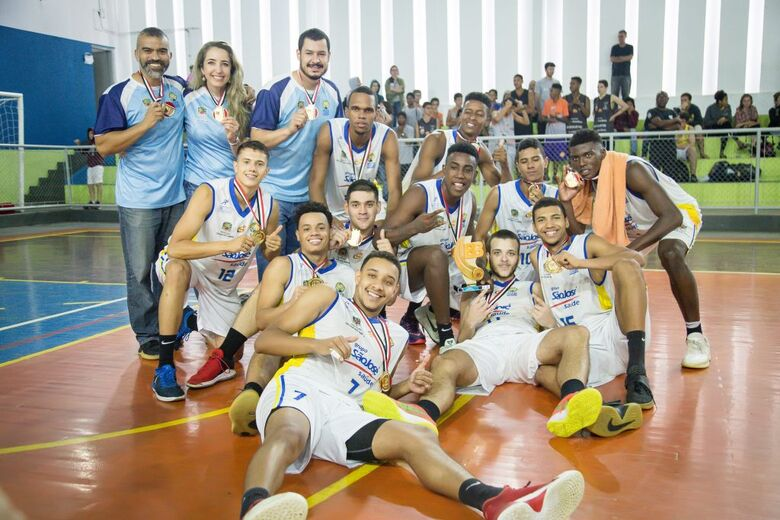 Finais do Basquete masculino agitaram o ginásio de esportes do Santa Felícia - Crédito: Divulgação