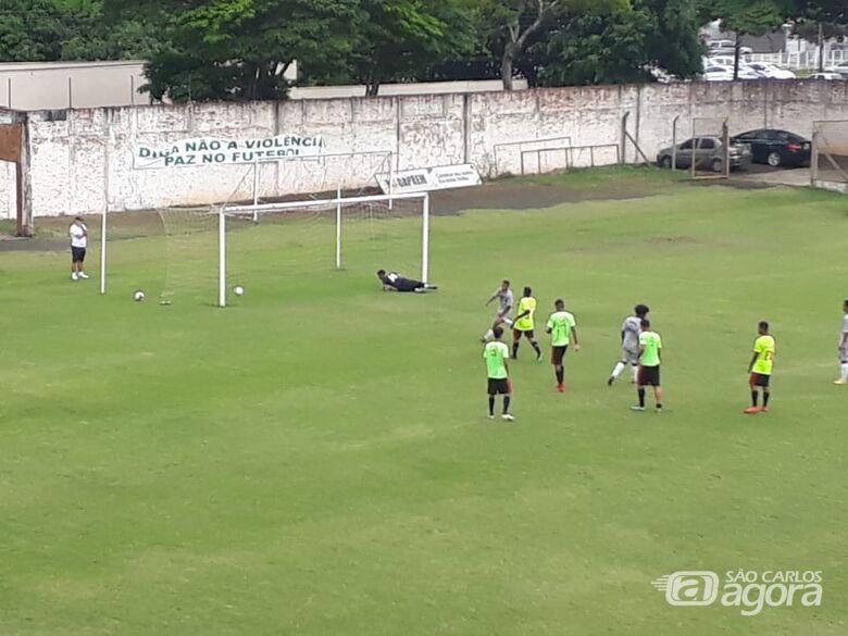 Águia sofre derrota em jogos de 9 gols - Crédito: Rovanir Frias/SCFC