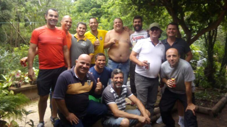 Grupo de ex-atiradores do Tiro de Guerra se reúnem para reviver o passado - Crédito: Divulgação
