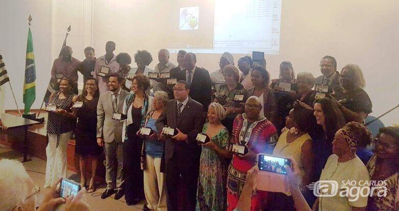 Vereadores Rodson e Cidinha participam de comemoração ao Dia da Consciência Negra - Crédito: Divulgação