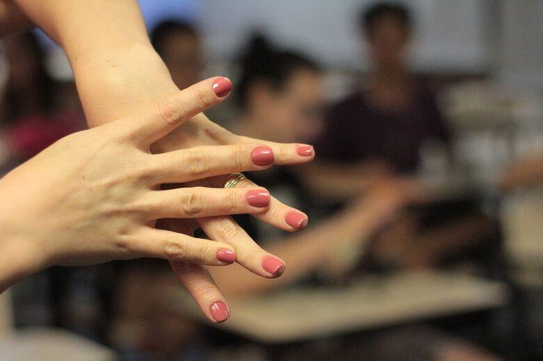 ICMC seleciona professor temporário para ensinar Língua Brasileira de Sinais - Crédito: Divulgação
