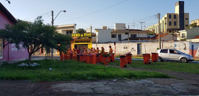 Empresa inicia serviço de limpeza pública em São Carlos - Crédito: Divulgação